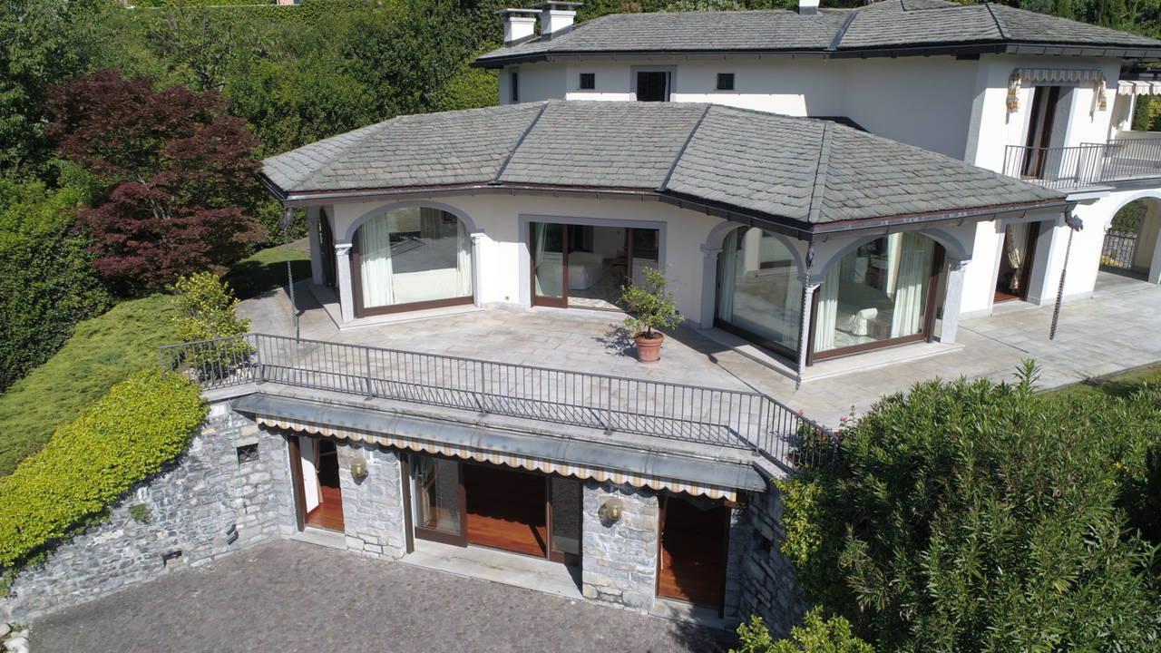 Villa-di-lusso-sul-Lago-di-Como-in-vendita-a-Mezzegra-11