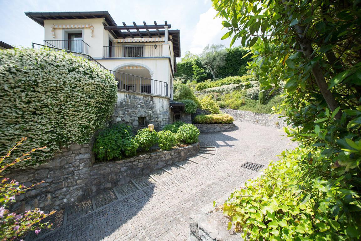 Villa-di-lusso-sul-Lago-di-Como-in-vendita-a-Mezzegra-17