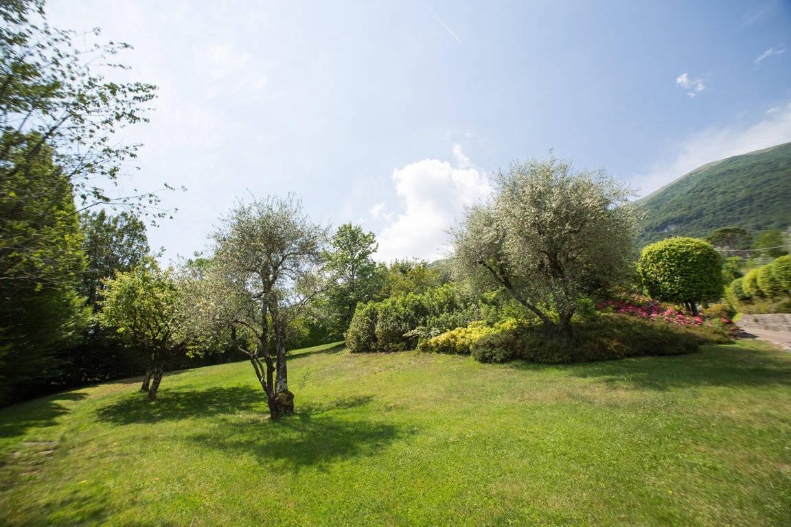 Villa-di-lusso-sul-Lago-di-Como-in-vendita-a-Mezzegra-18