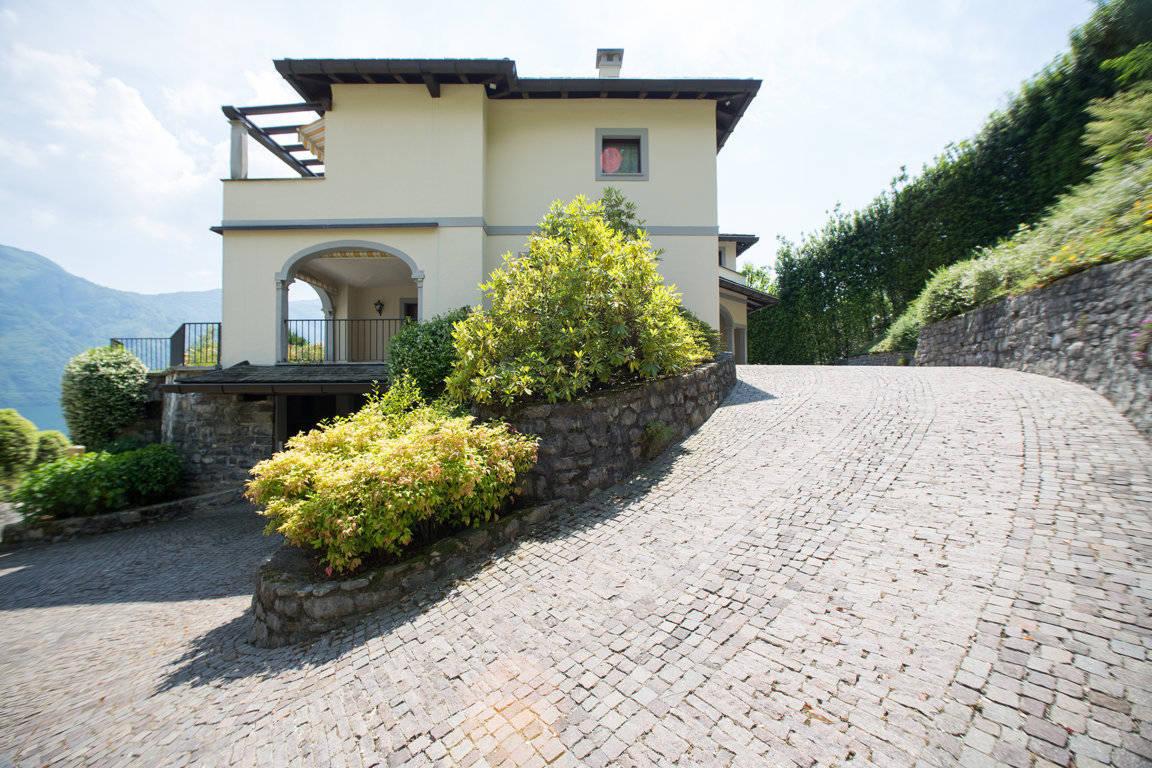 Villa-di-lusso-sul-Lago-di-Como-in-vendita-a-Mezzegra-19