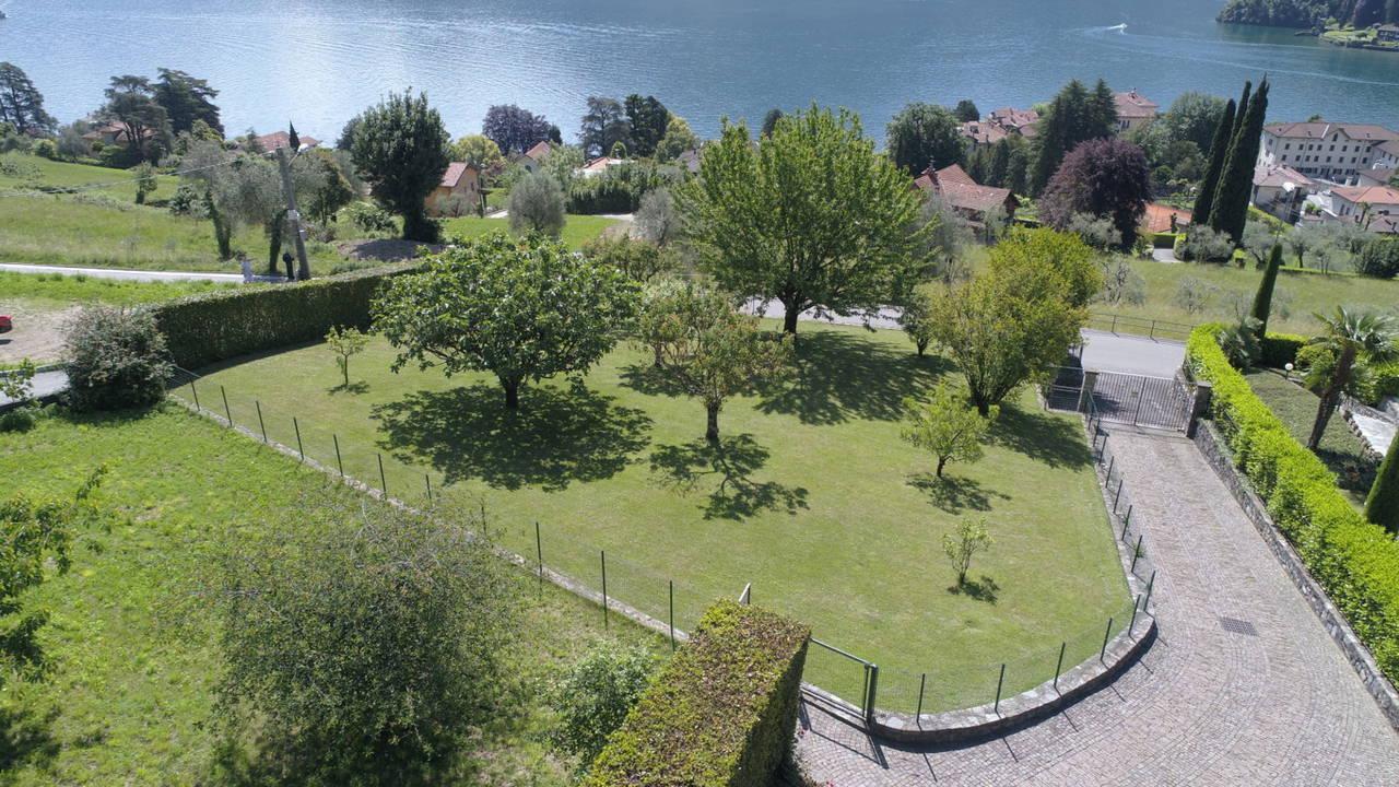 Villa-di-lusso-sul-Lago-di-Como-in-vendita-a-Mezzegra-28