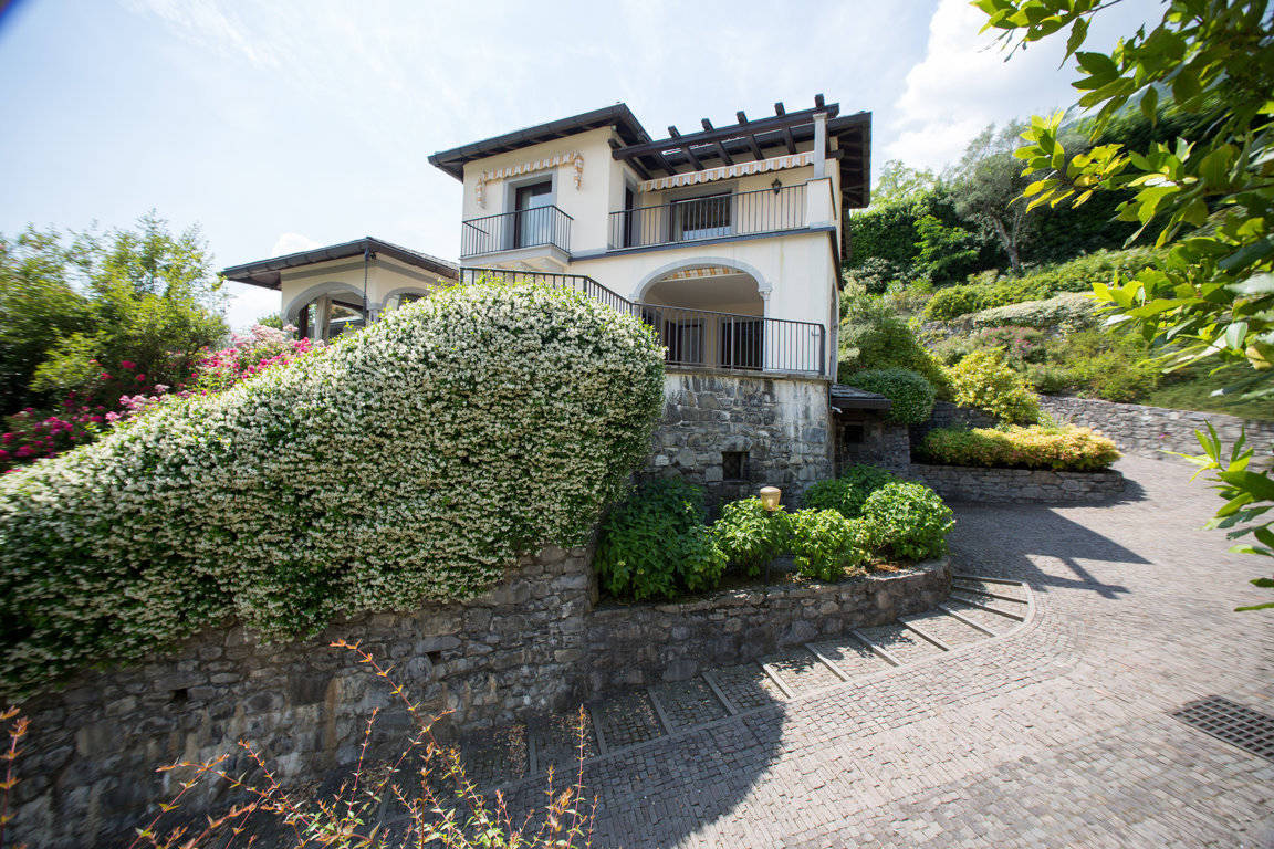 Villa-di-lusso-sul-Lago-di-Como-in-vendita-a-Mezzegra-7