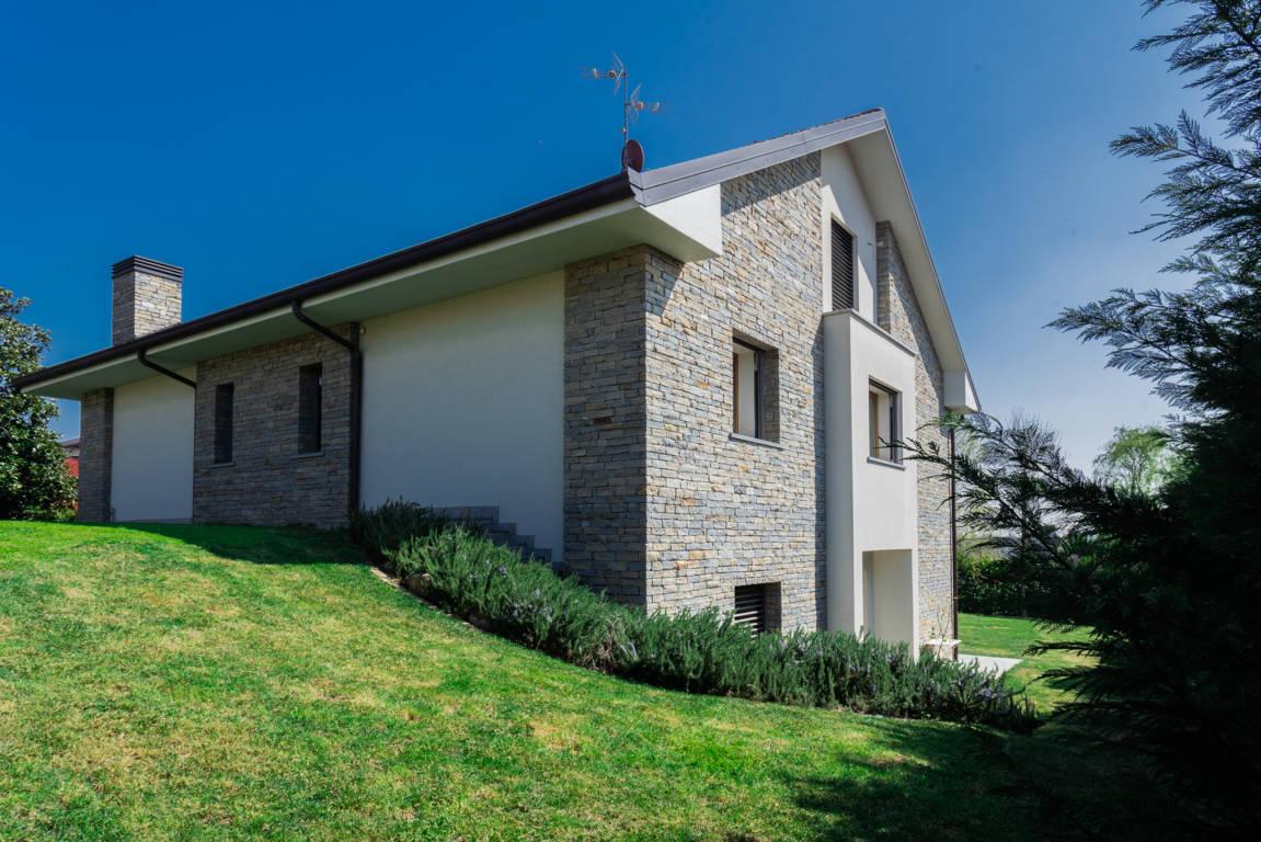 Villa-di-pregio-in-vendita-a-Merate-4