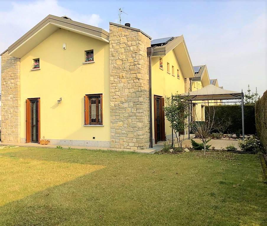 Villa-di-testa-Sulbiate-in-vendita