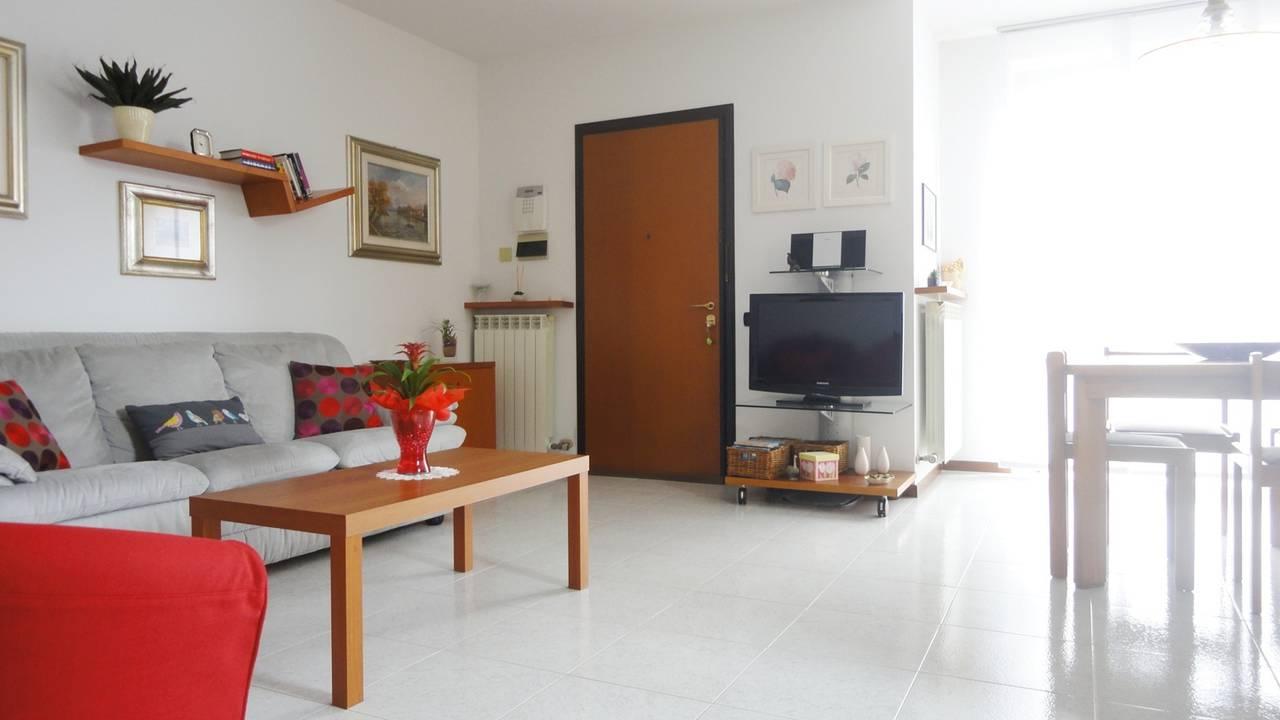 Villa-di-testa-con-giardino-in-vendita-a-Cavenago-Brianza-11