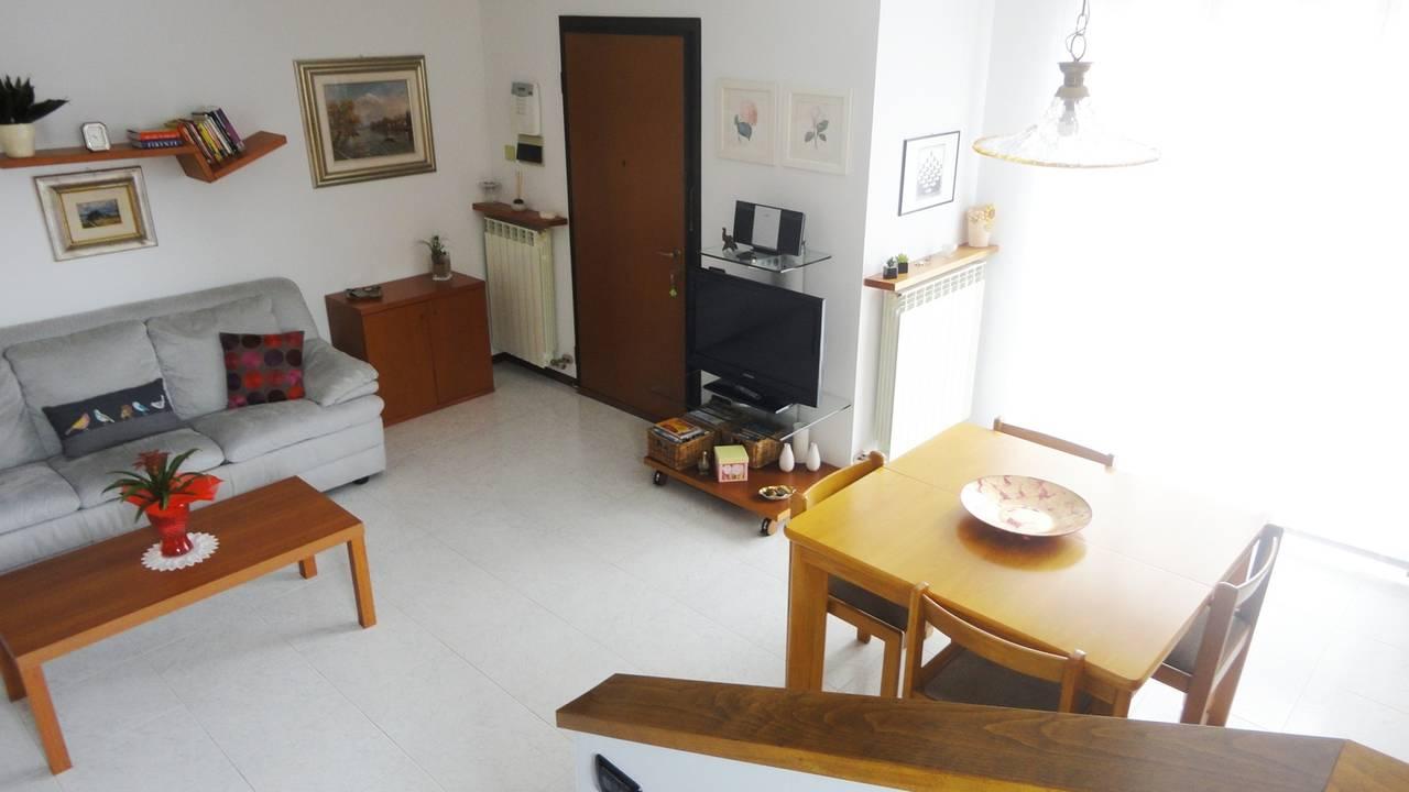 Villa-di-testa-con-giardino-in-vendita-a-Cavenago-Brianza-15