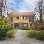 Villa di testa con giardino in vendita a Cavenago Brianza