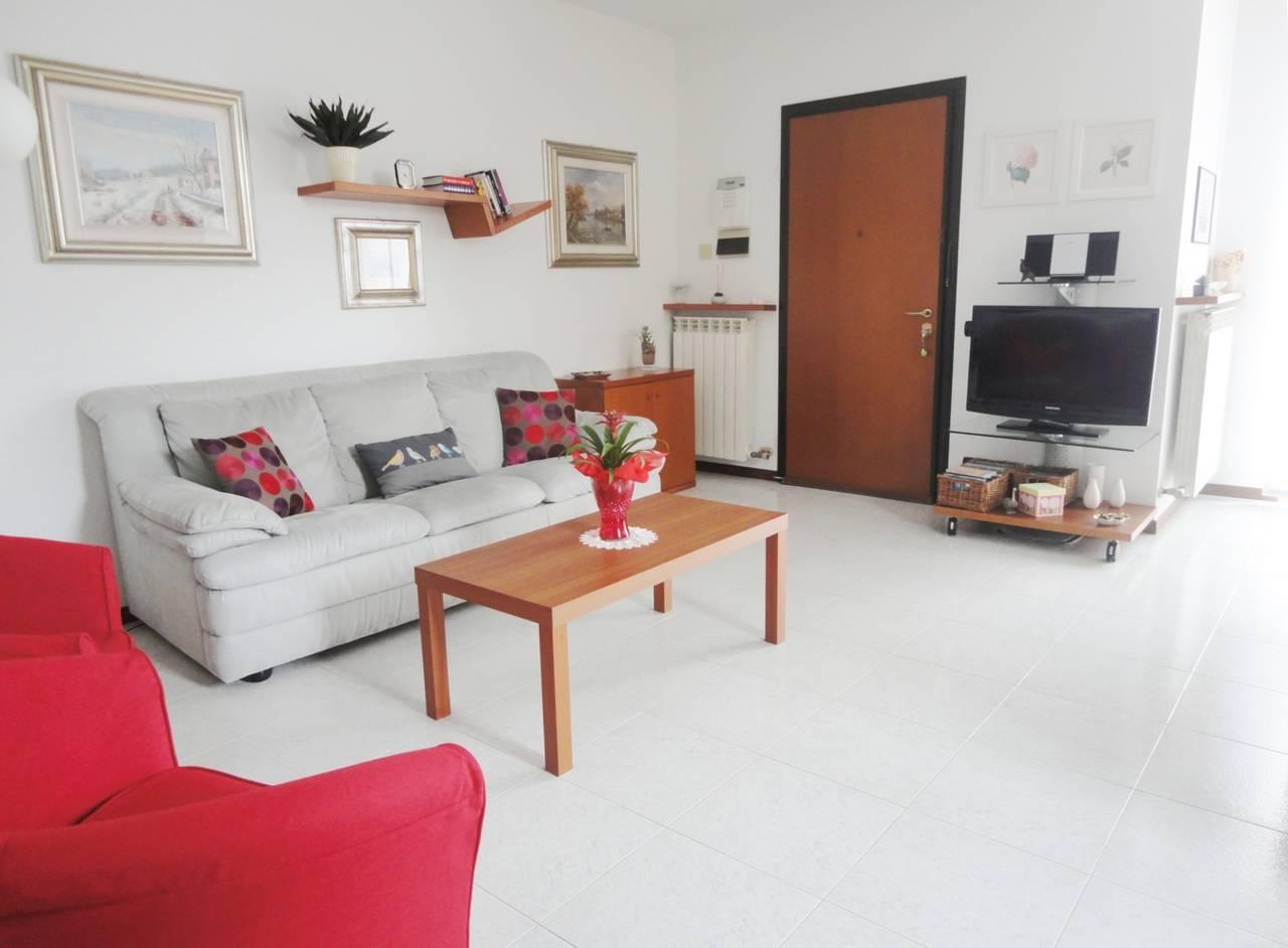 Villa-di-testa-con-giardino-in-vendita-a-Cavenago-Brianza-7