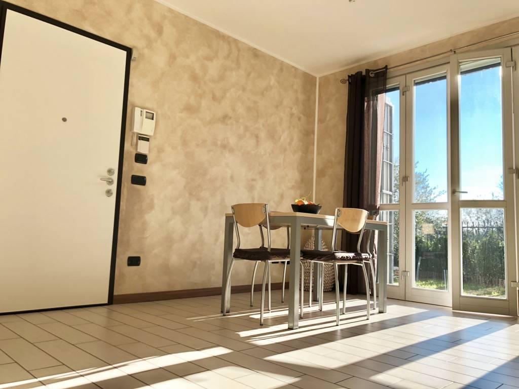 Villa-di-testa-in-vendita-a-Sulbiate-giardino-1.660-mq-10