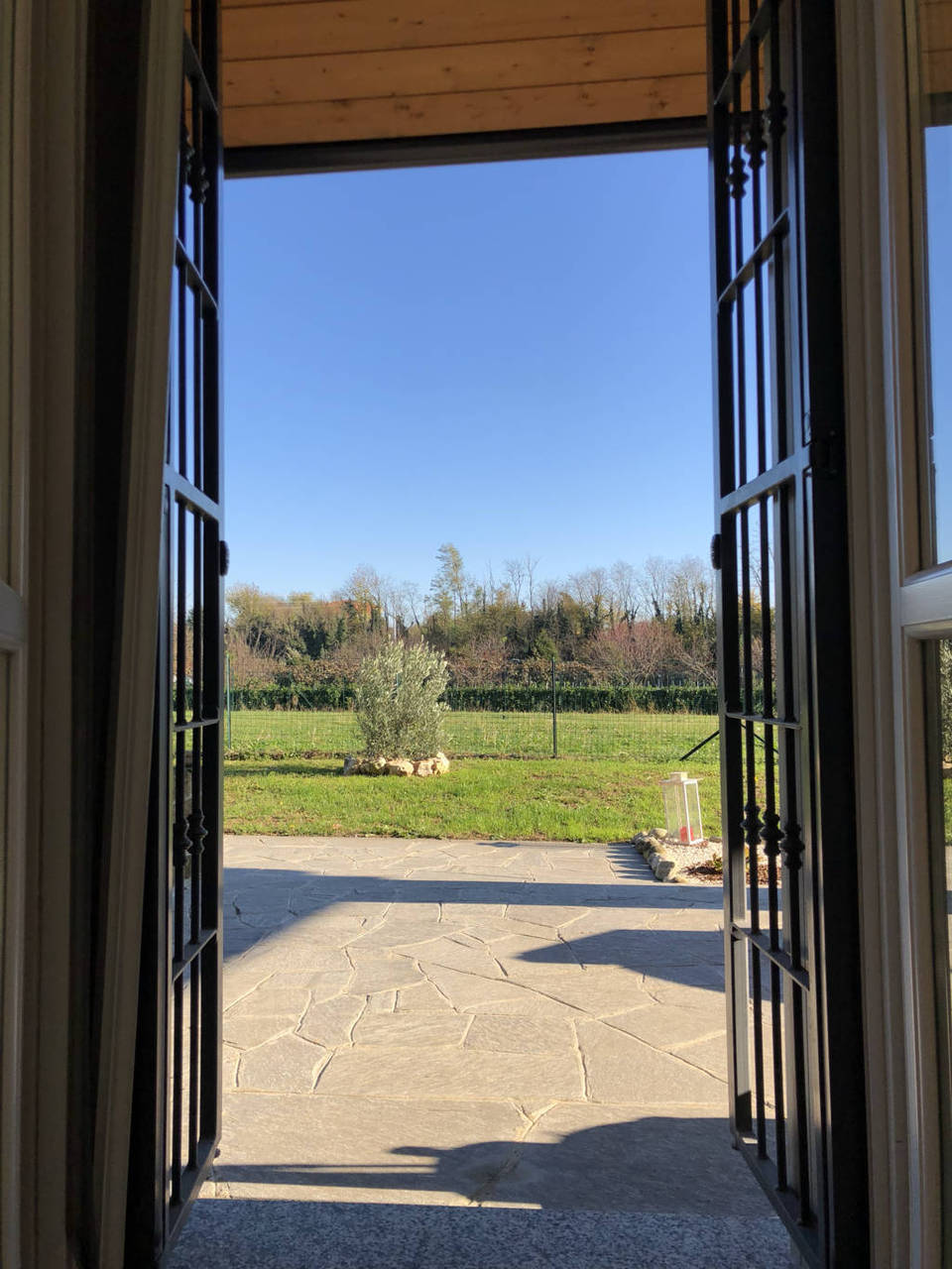 Villa-di-testa-in-vendita-a-Sulbiate-giardino-1.660-mq-12