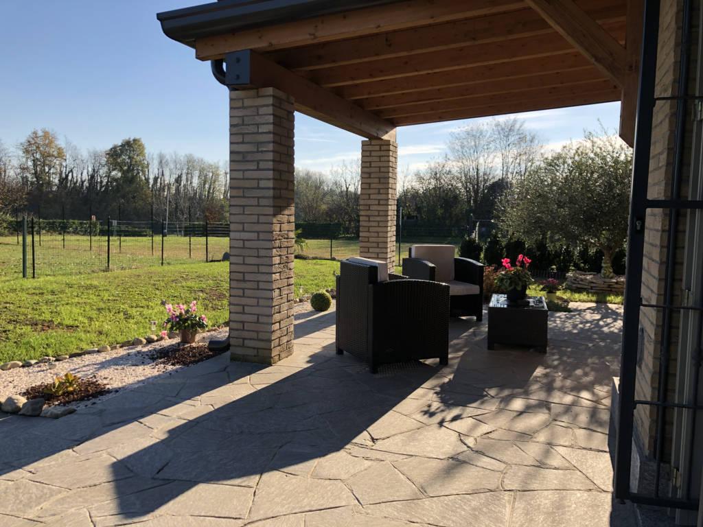 Villa-di-testa-in-vendita-a-Sulbiate-giardino-1.660-mq-13