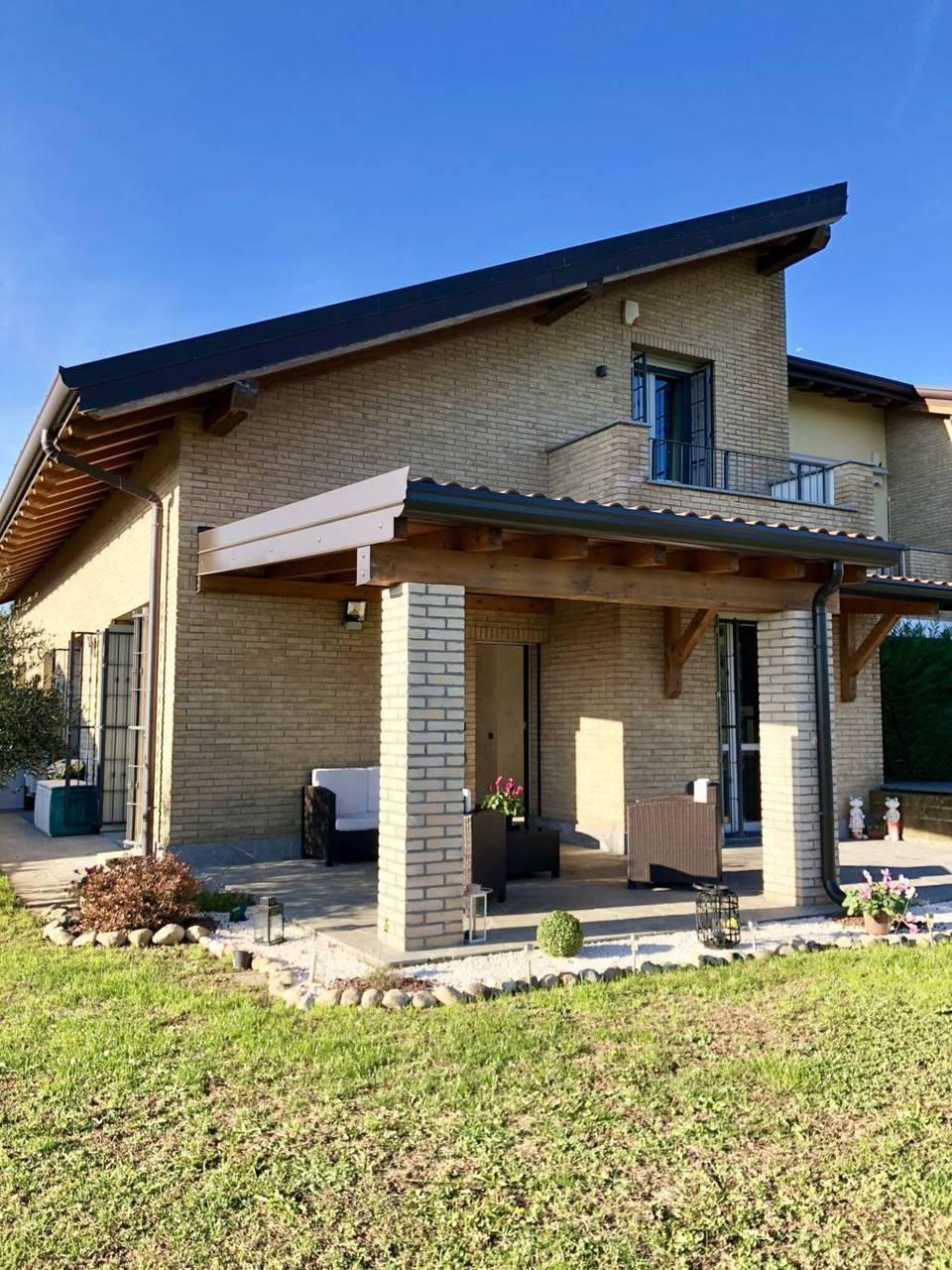 Villa-di-testa-in-vendita-a-Sulbiate-giardino-1.660-mq-15