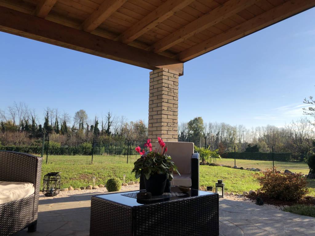 Villa-di-testa-in-vendita-a-Sulbiate-giardino-1.660-mq-17