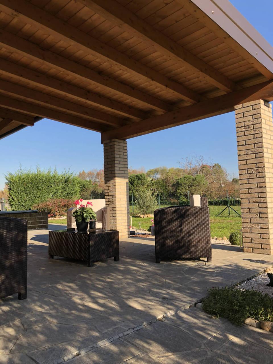 Villa-di-testa-in-vendita-a-Sulbiate-giardino-1.660-mq-18