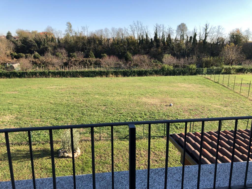 Villa-di-testa-in-vendita-a-Sulbiate-giardino-1.660-mq-34