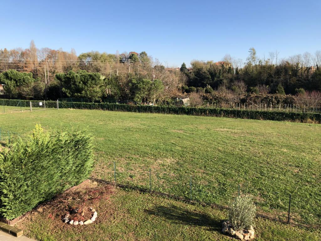 Villa-di-testa-in-vendita-a-Sulbiate-giardino-1.660-mq-6