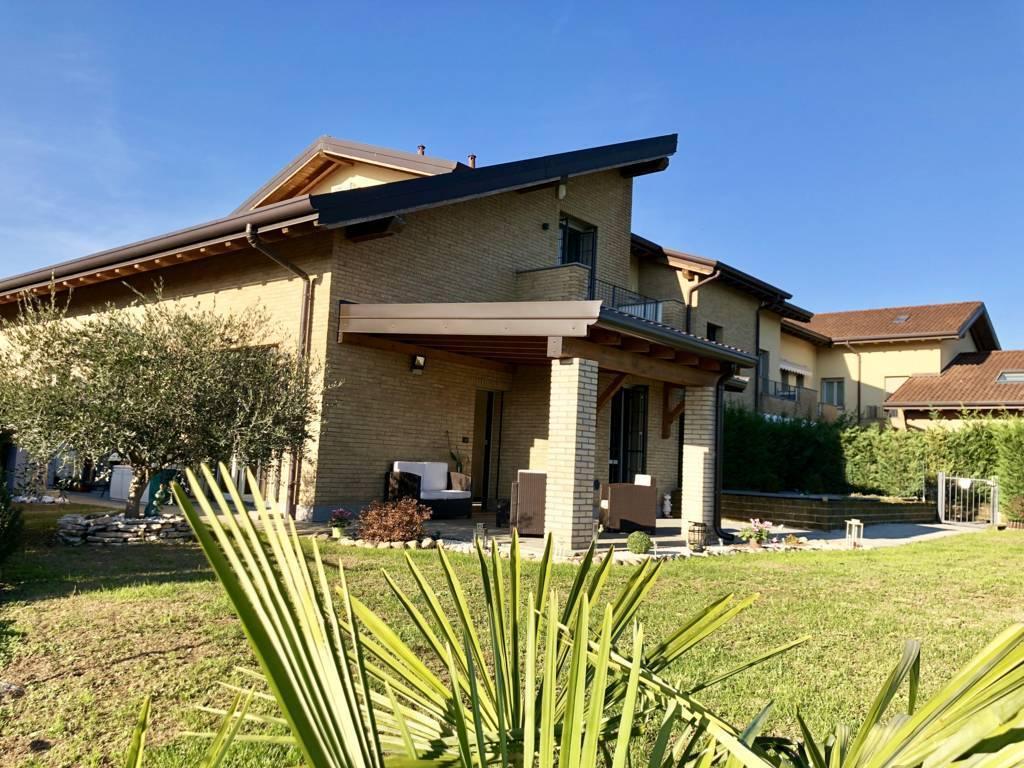 Villa-di-testa-in-vendita-a-Sulbiate-giardino-1.660-mq-7