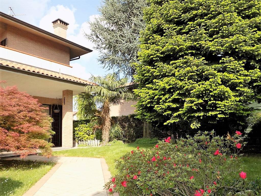 Villa-in-vendita-a-Arcore-in-Brianza-21