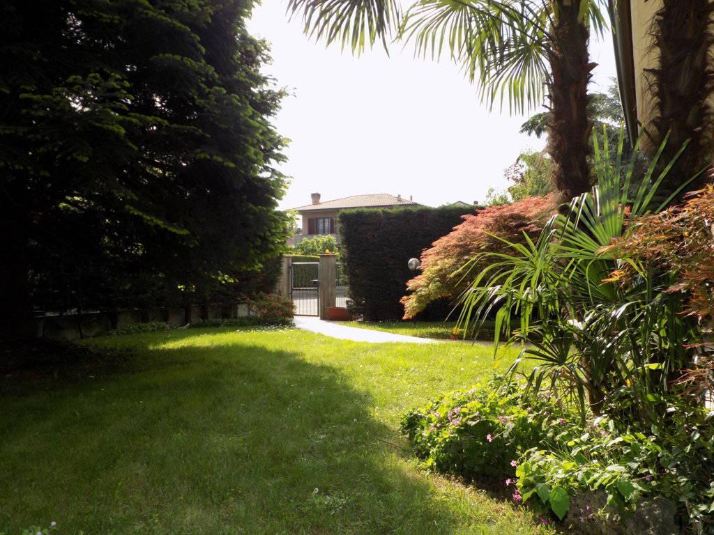 Villa-in-vendita-a-Arcore-in-Brianza-23