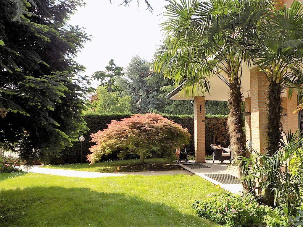 Villa-in-vendita-a-Arcore-in-Brianza-5