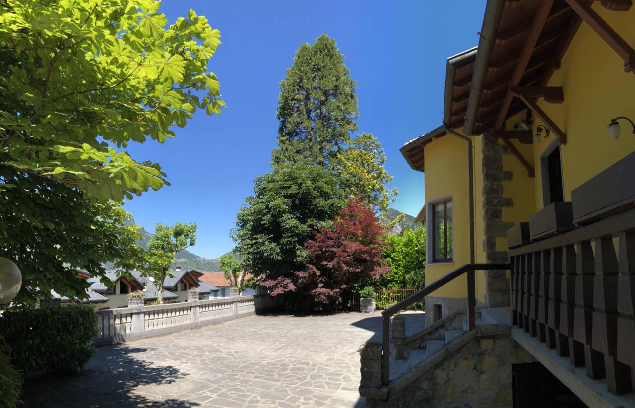 Villa-in-vendita-a-Barzio-3