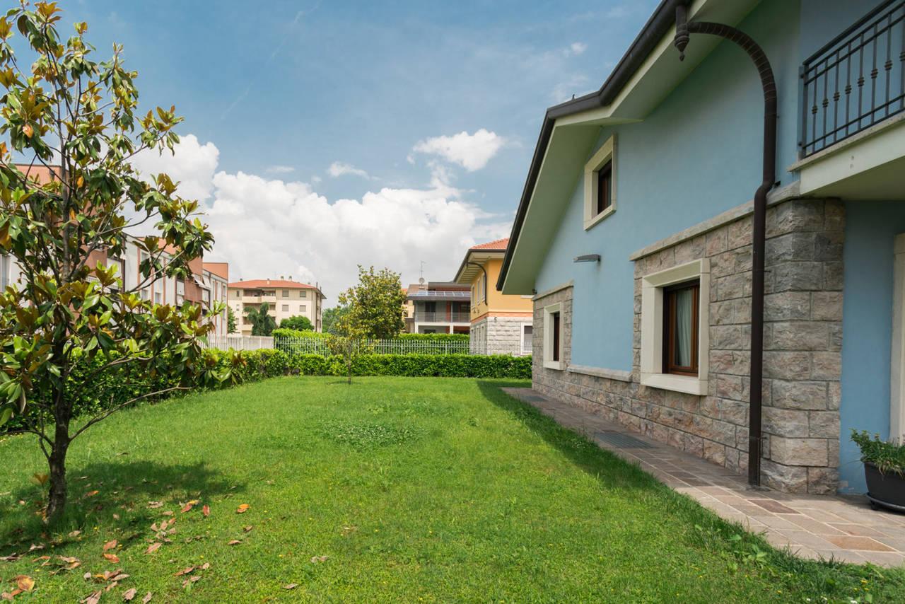 Villa-in-vendita-a-Bellusco-in-Brianza-18