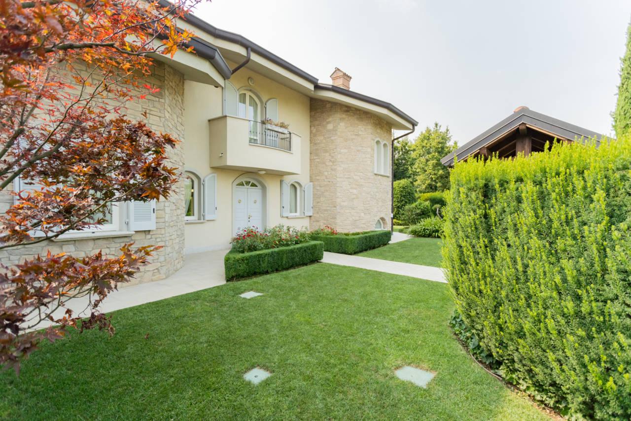 Villa in vendita a Camparada (1)