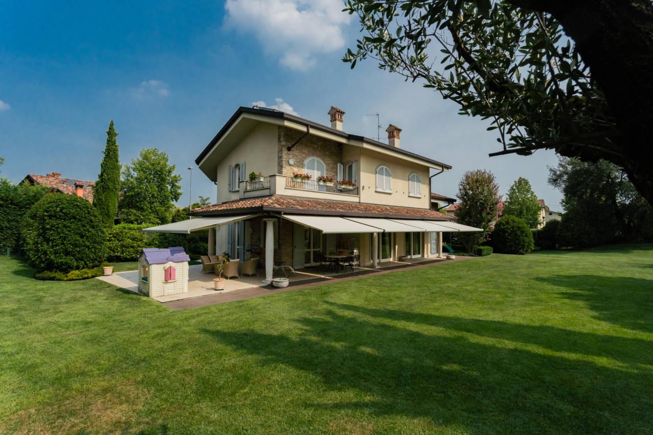 Villa in vendita a Camparada (64)