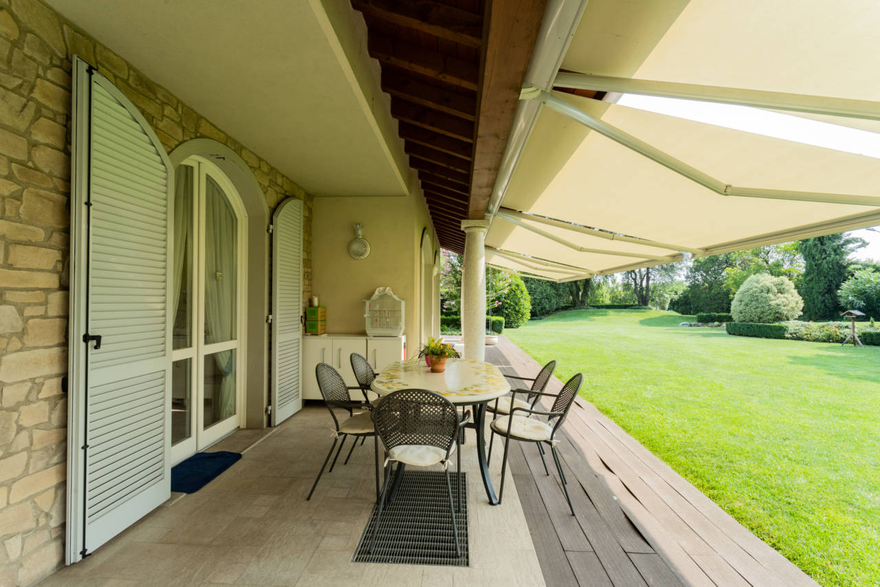 Villa in vendita a Camparada (69)