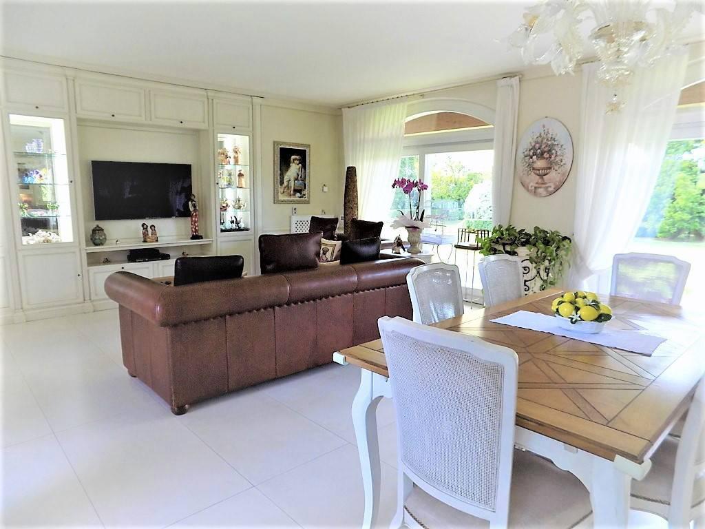 Villa-in-vendita-a-Camparada-in-Brianza-3