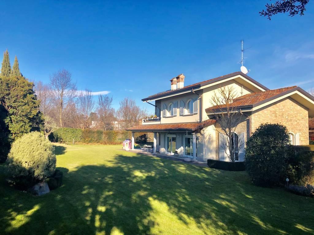 Villa-in-vendita-a-Camparada-in-Brianza