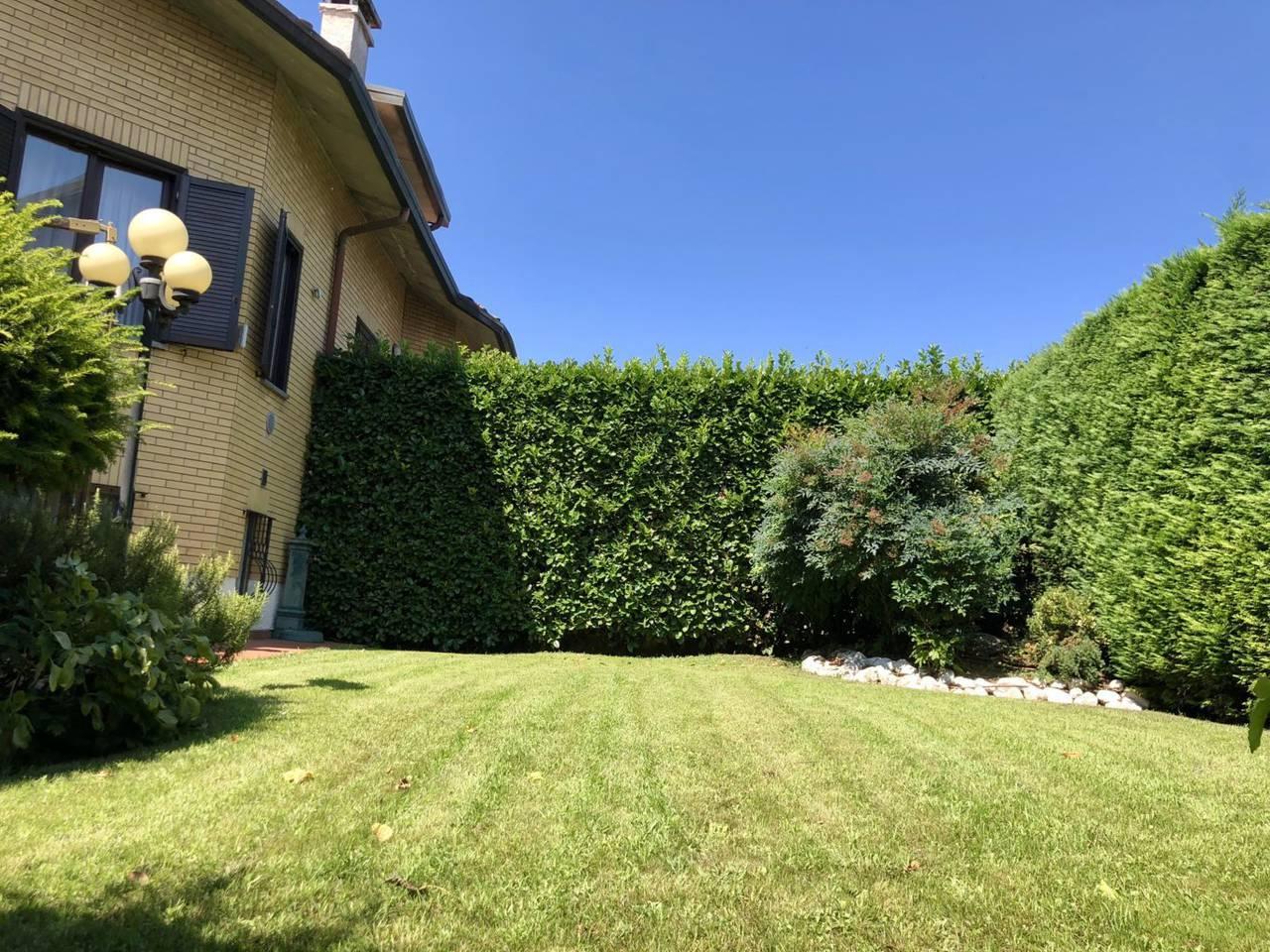 Villa-in-vendita-a-Caronno-Pertusella-4