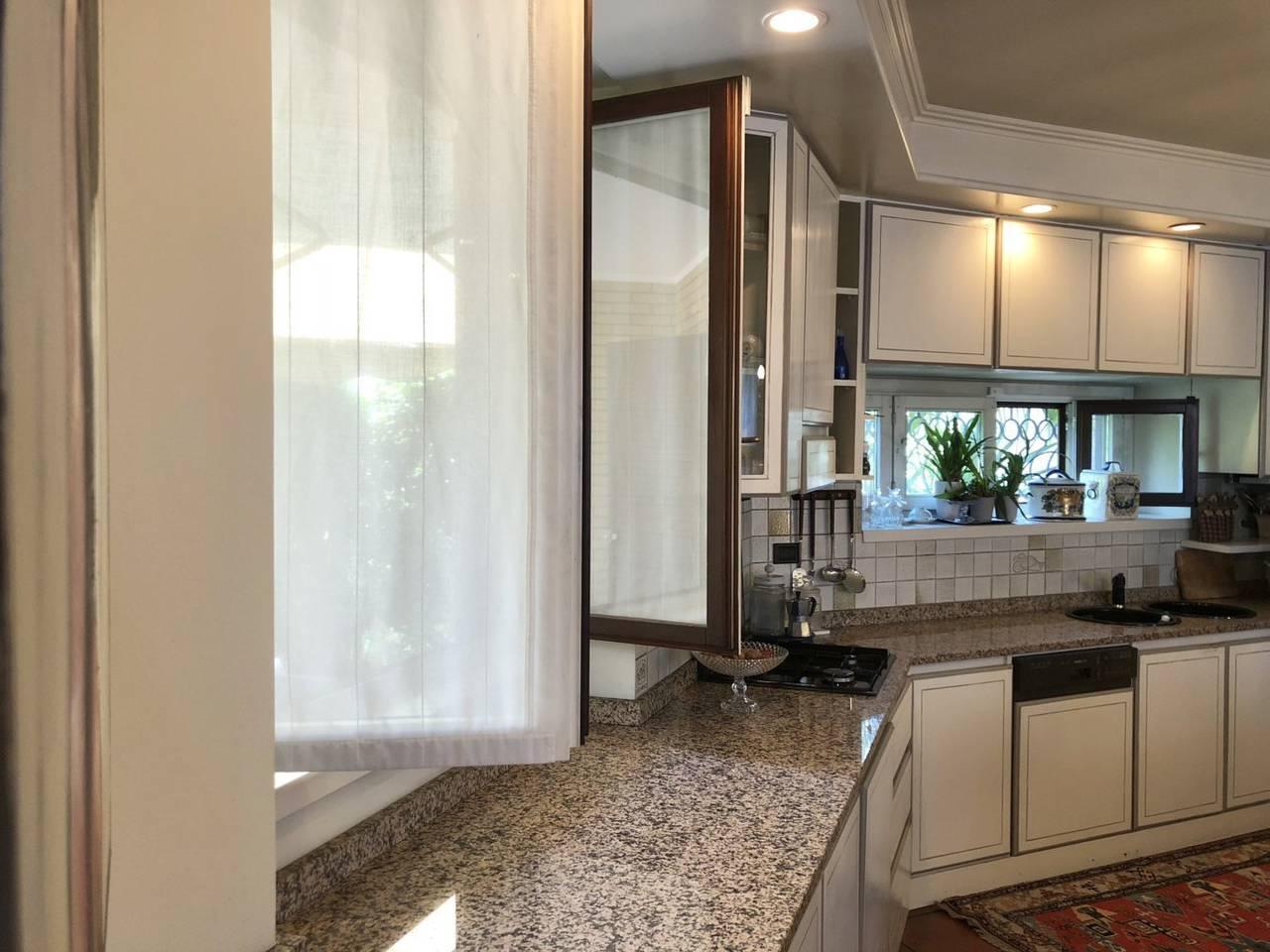 Villa-in-vendita-a-Caronno-Pertusella-40