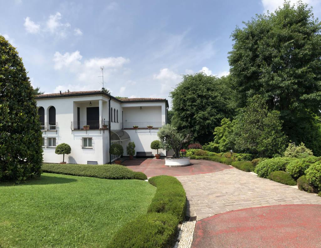 Villa-in-vendita-a-Fino-Mornasco-Como-12