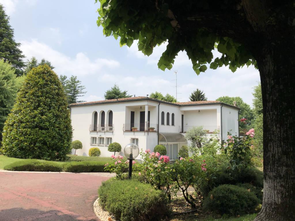 Villa-in-vendita-a-Fino-Mornasco-Como-13