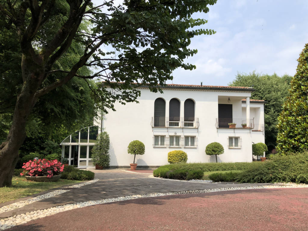 Villa-in-vendita-a-Fino-Mornasco-Como-15