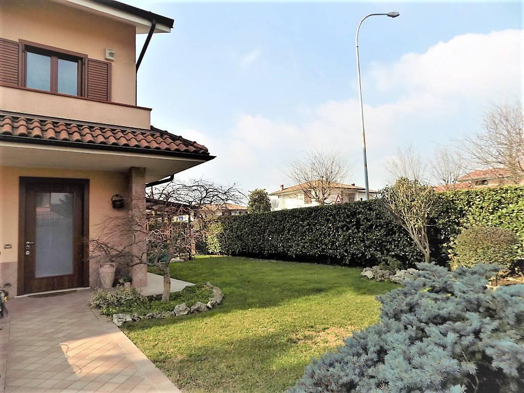 Villa-in-vendita-a-Inzago