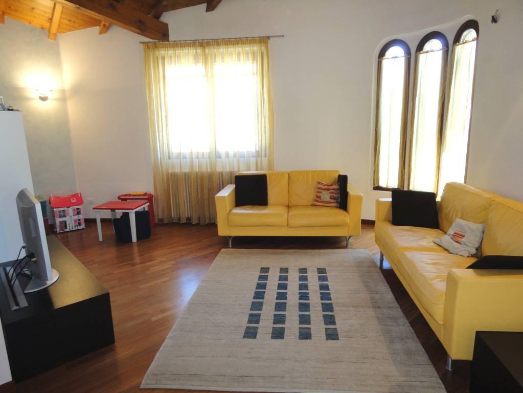 Villa-in-vendita-a-Lomagna-Lecco-3