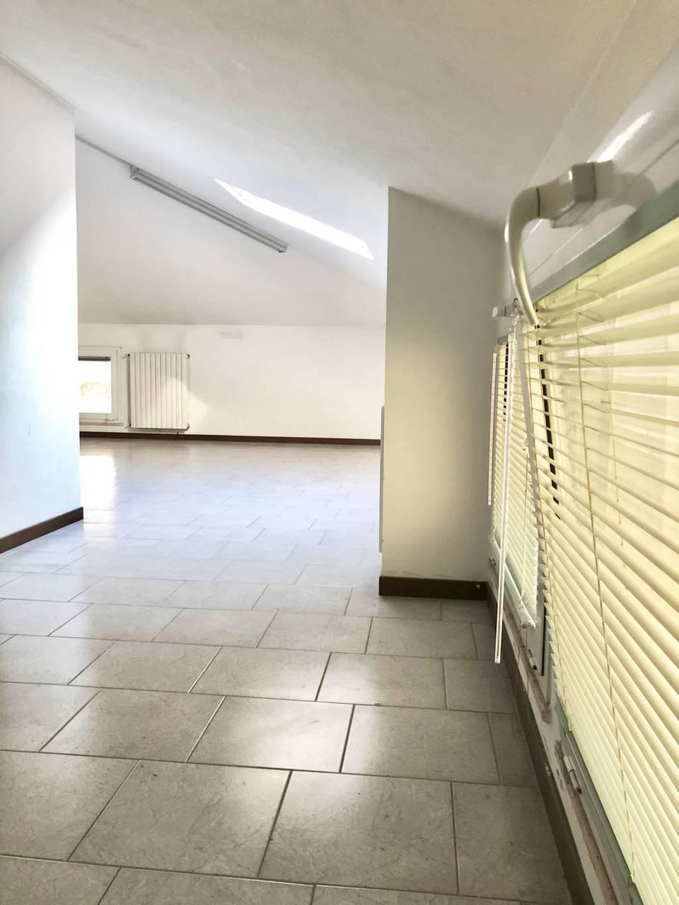 Villa-in-vendita-a-Ornago-20