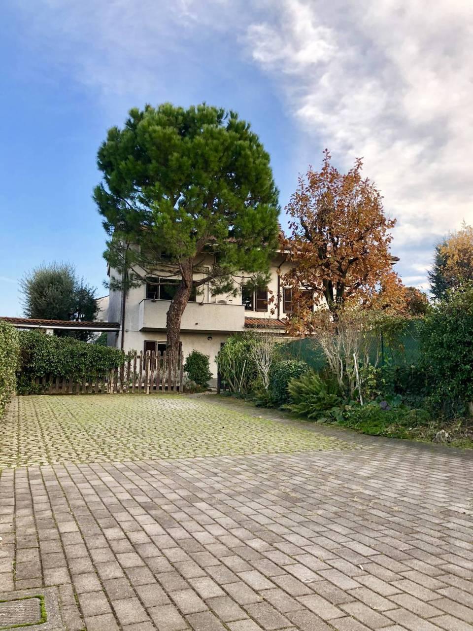 Villa-in-vendita-a-Ornago-21