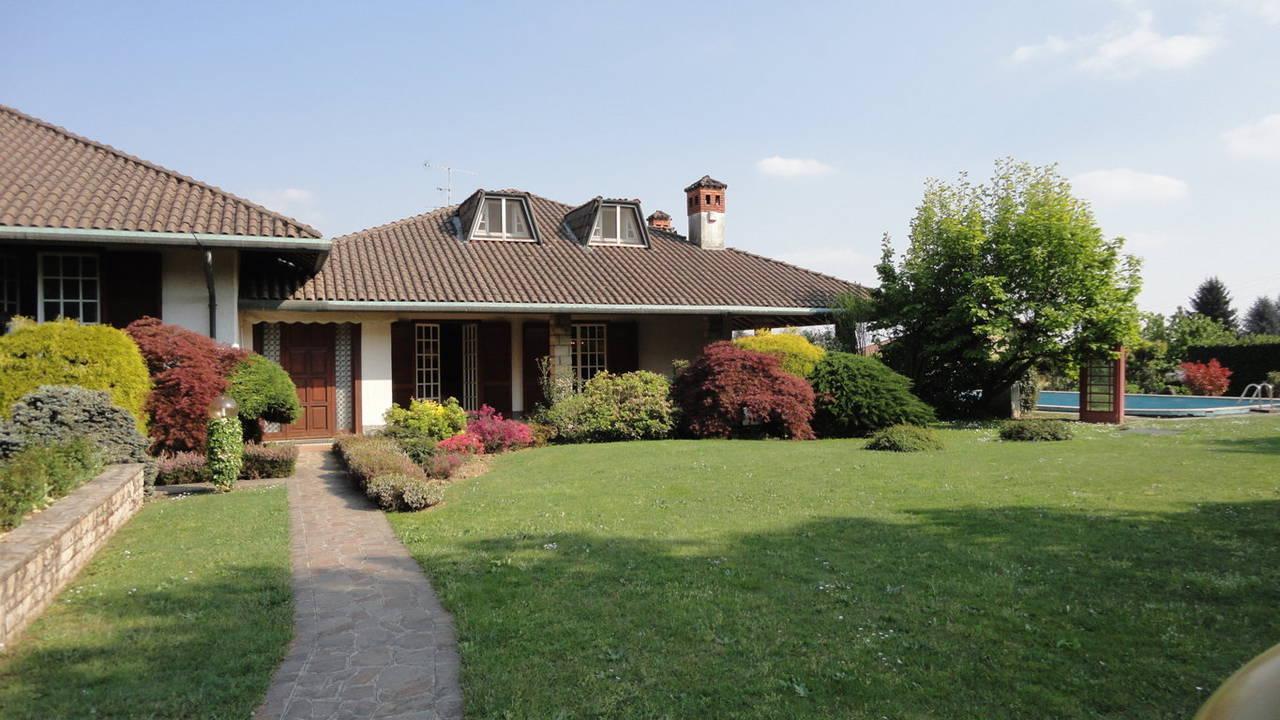 Villa-piscina-in-vendita-a-Cernusco-Lombardone-in-Brianza-10