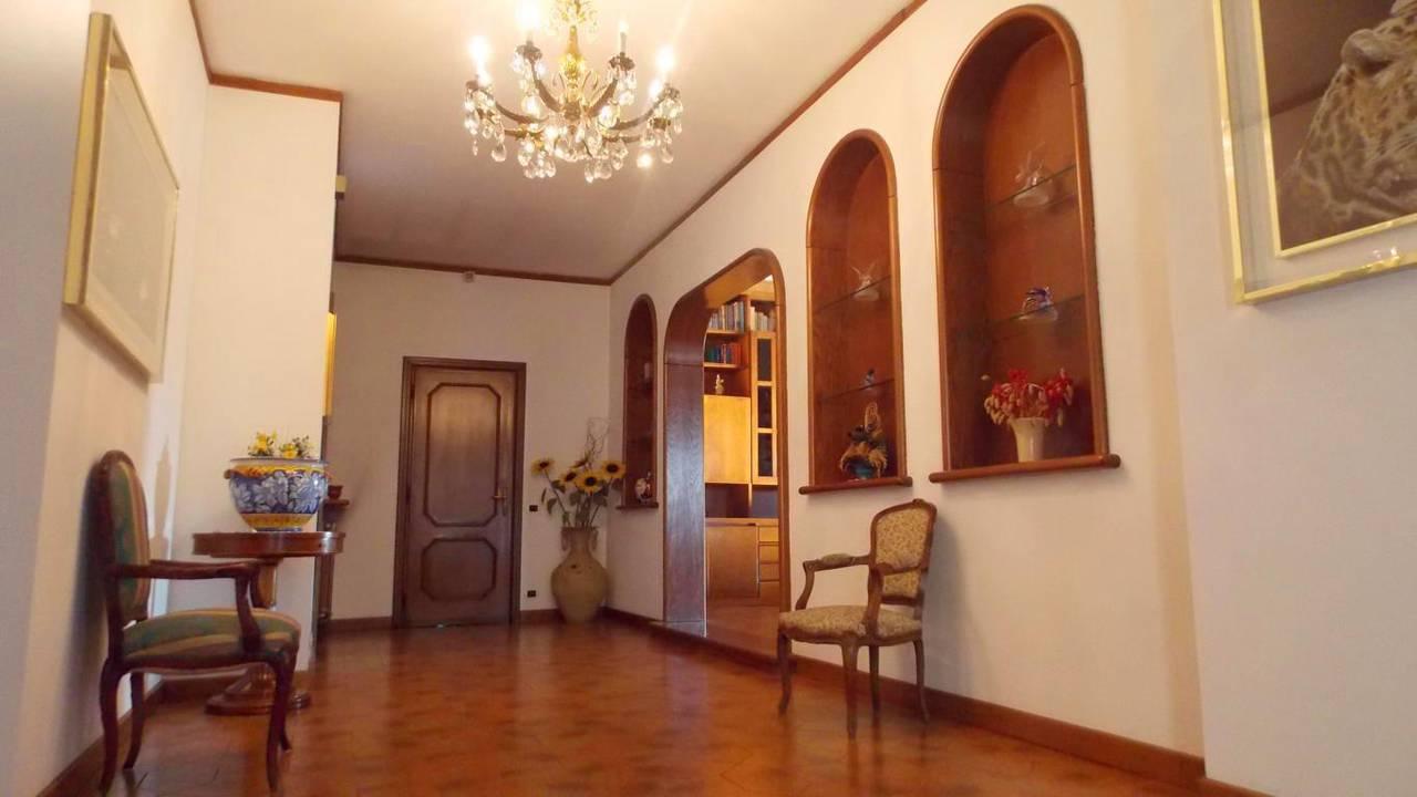 Villa-piscina-in-vendita-a-Cernusco-Lombardone-in-Brianza-22