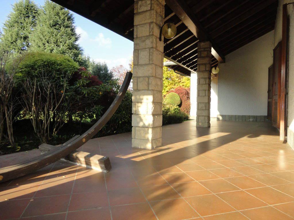 Villa-piscina-in-vendita-a-Cernusco-Lombardone-in-Brianza-29