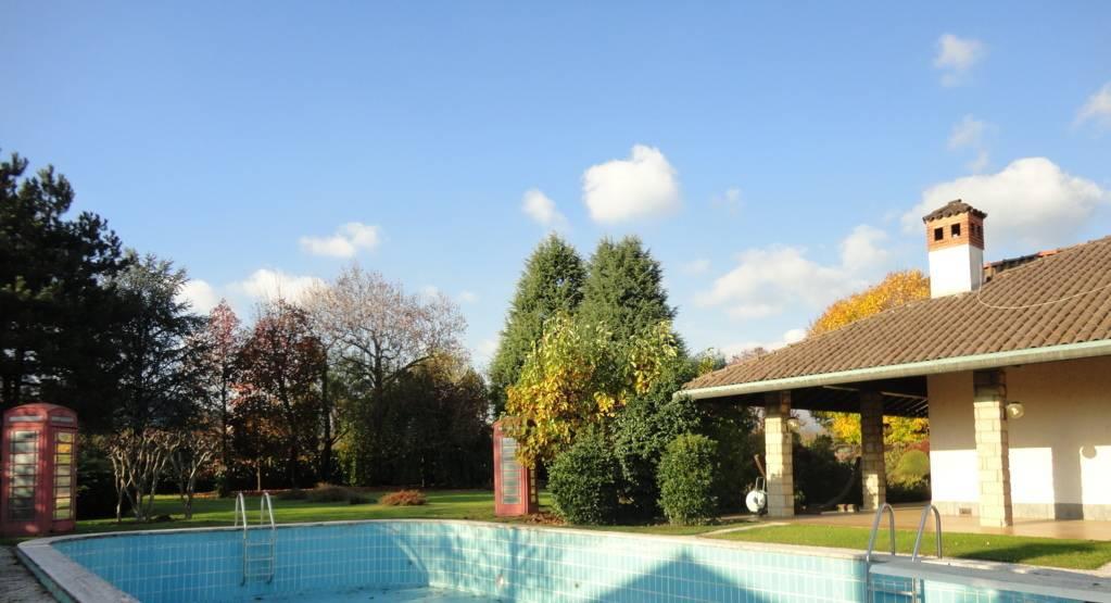 Villa-piscina-in-vendita-a-Cernusco-Lombardone-in-Brianza-34