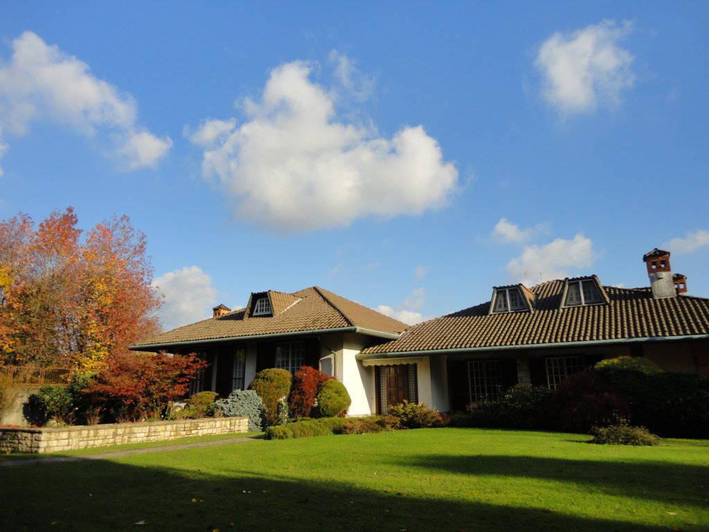Villa-piscina-in-vendita-a-Cernusco-Lombardone-in-Brianza-36