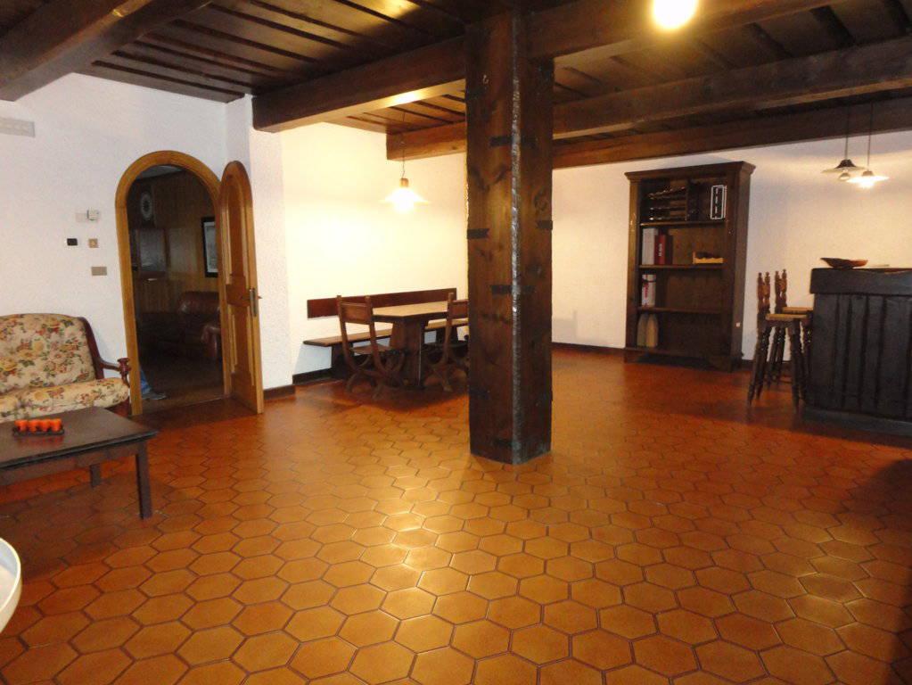 Villa-piscina-in-vendita-a-Cernusco-Lombardone-in-Brianza-39