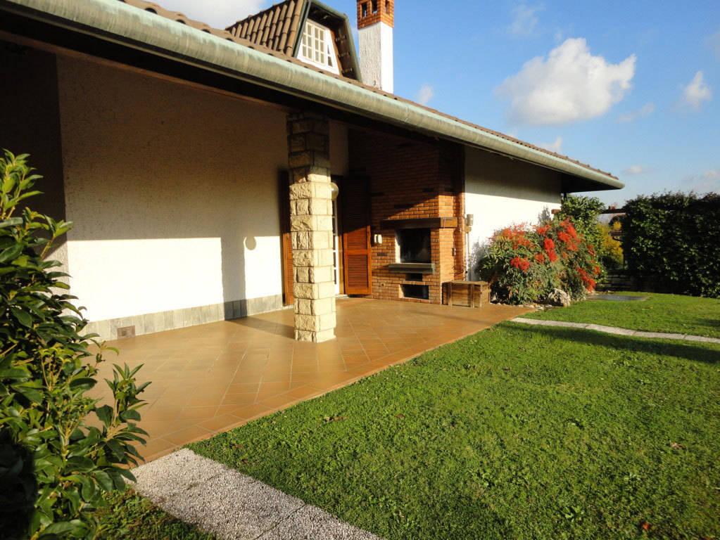 Villa-piscina-in-vendita-a-Cernusco-Lombardone-in-Brianza-40