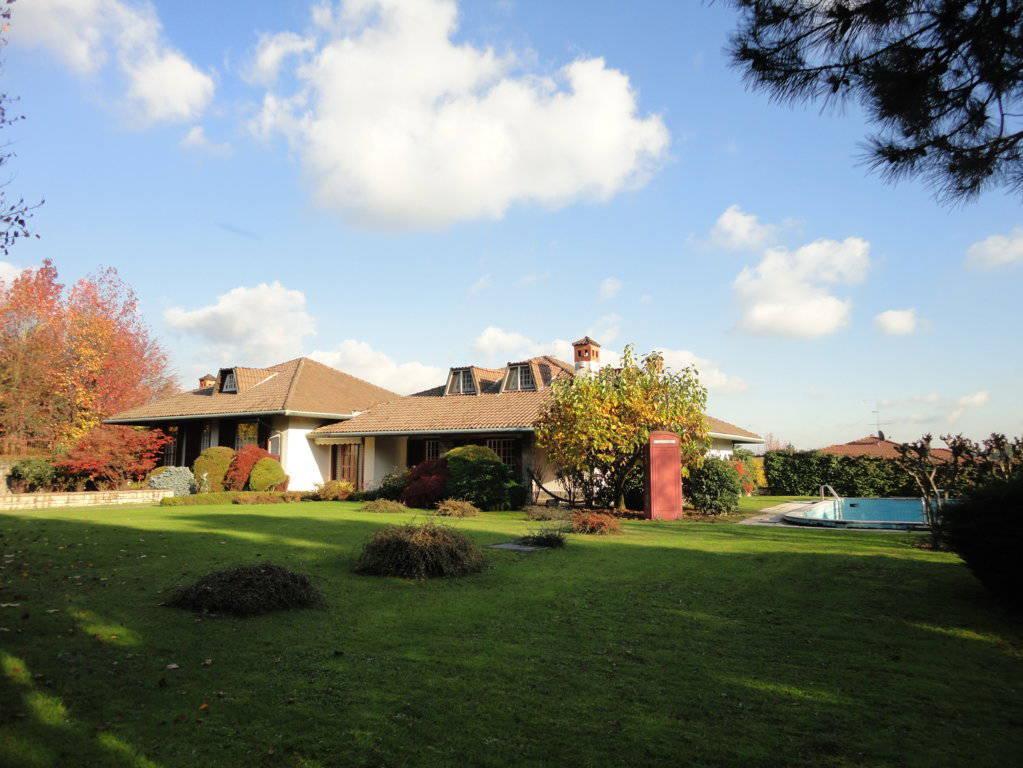 Villa-piscina-in-vendita-a-Cernusco-Lombardone-in-Brianza-44