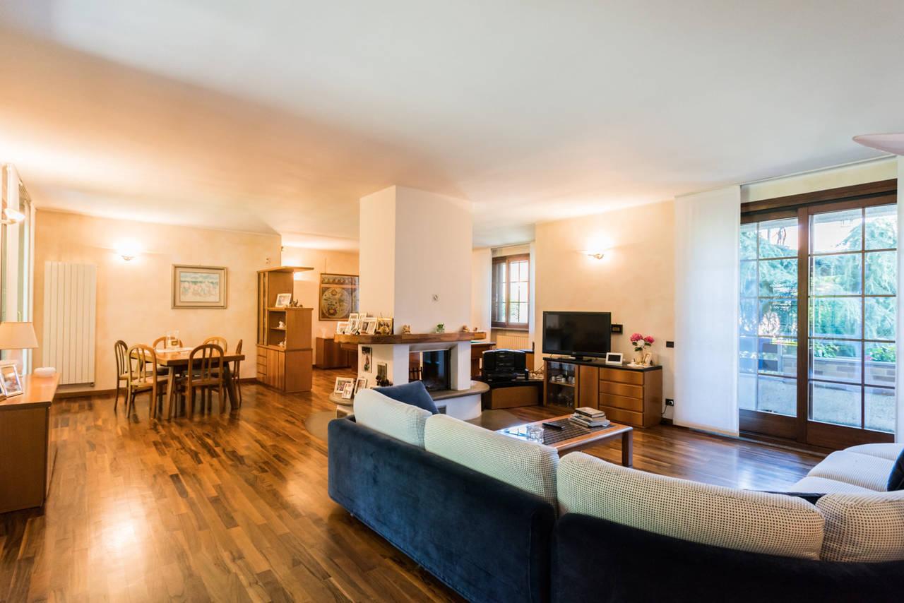 Villa-singola-con-grande-giardino-in-vendita-a-Bellusco-12
