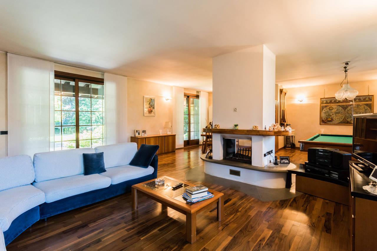 Villa-singola-con-grande-giardino-in-vendita-a-Bellusco-13